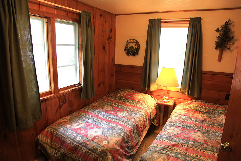 Cabin 5 big rock resort leech lake minnesota for Bedroom kaise sajaye